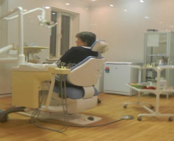 Вылечил твоему пациенту зуб